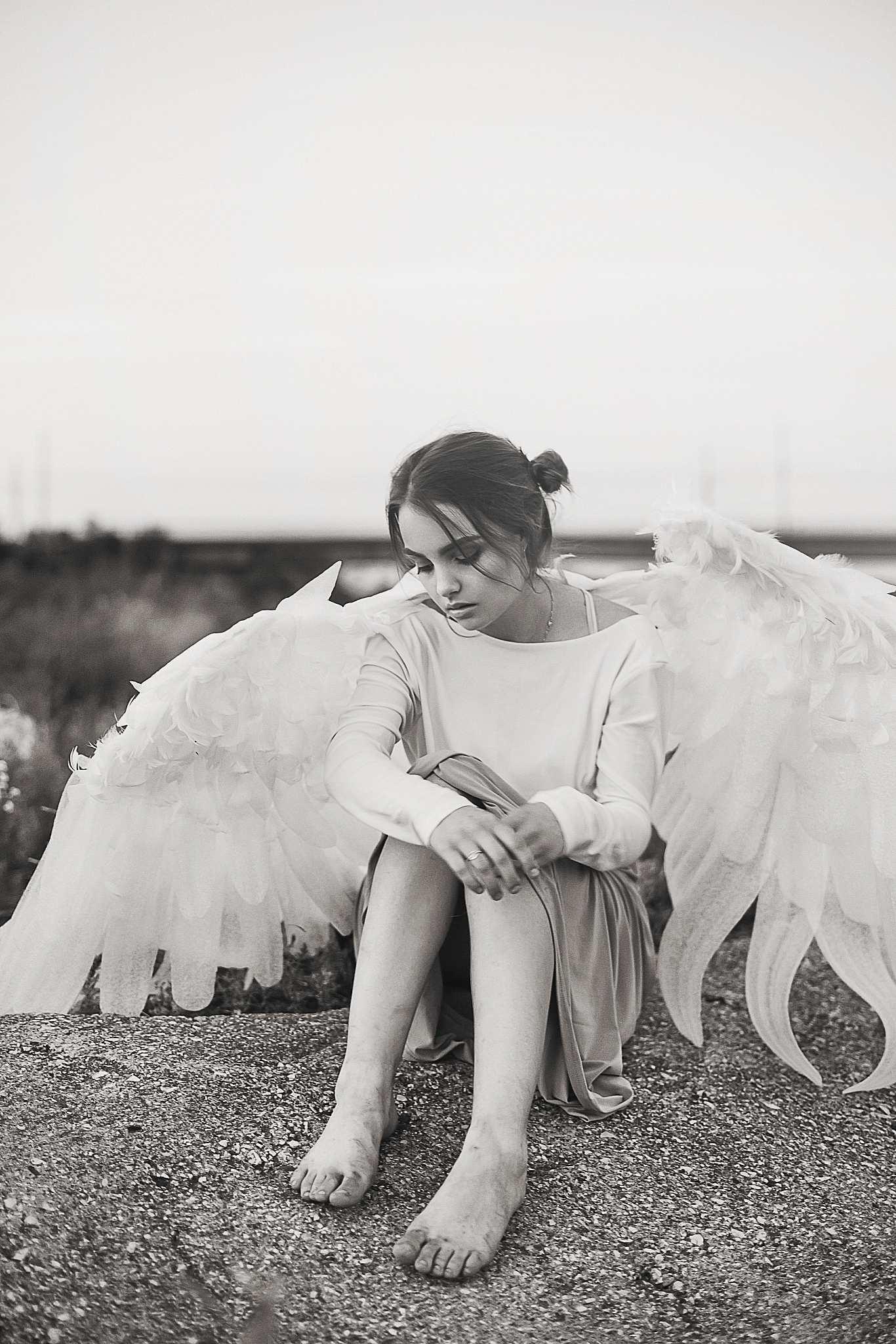 висячего грустный ангел фото насколько знаю